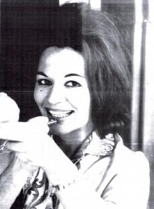 En plus de ses qualités d'écrivaine et de femme de caractère, Rita Kraus était une très belle femme.